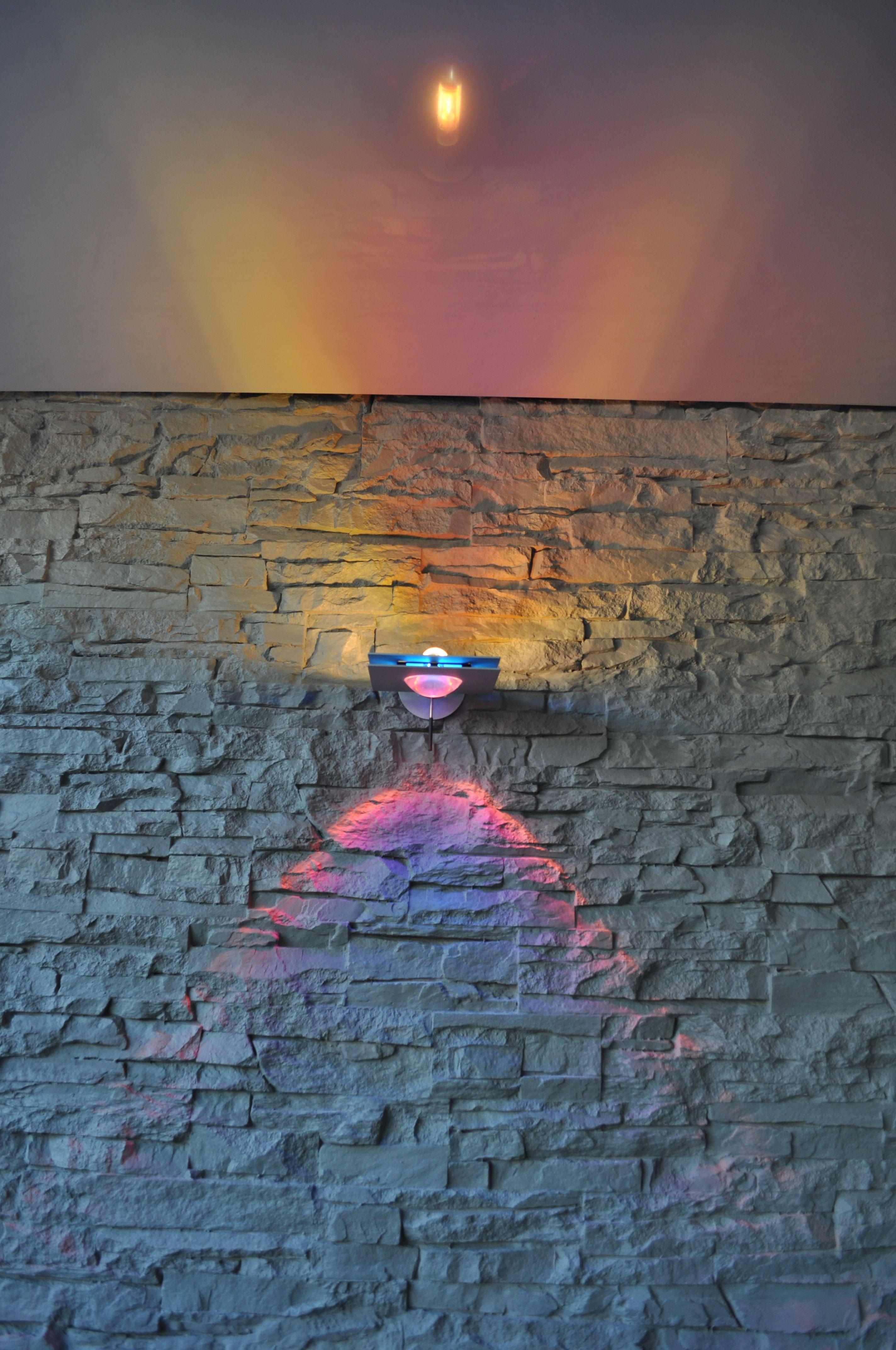 Lieblich Spanndecke, Steinwand Und Grimmeisenleuchte #steinwand #stone#beleuchtung#leuchte#decke#