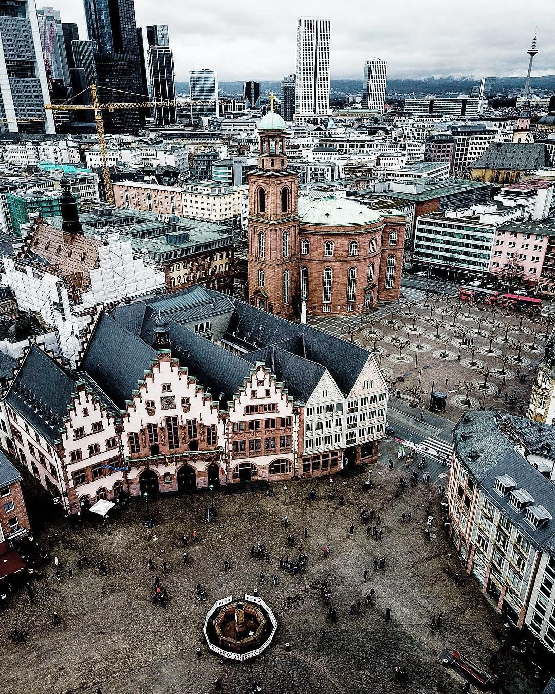 FRANKFURT . DEUTSCHE BANK HOCHHAEUSER . Frankfurt am