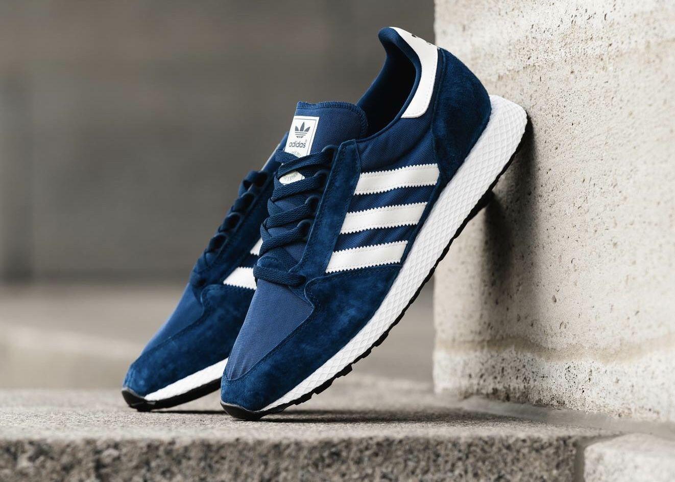 adidas Forest Grove   Asphaltgold, Adidas und Nylons