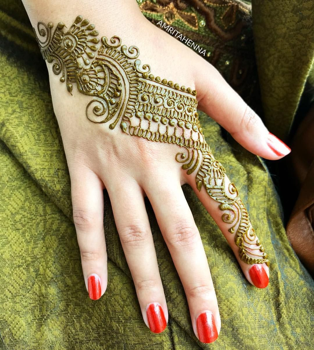 Loved How She Color Coordinated Her Outfit With Henna Henna