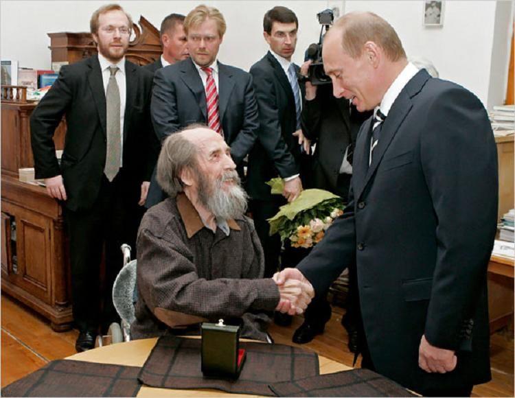 solzhenitsyn-putin_russia_liberta_cristianesimo_obama_fatima