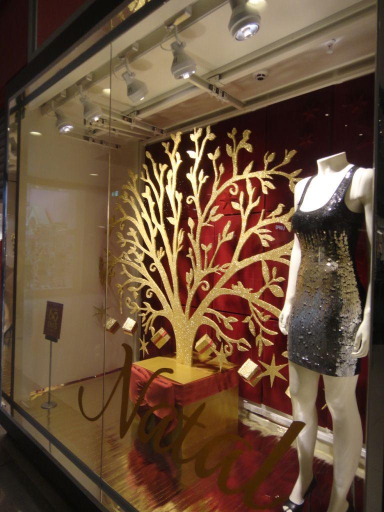 9bf0bddee66 Muito bonita a vitrine da Renner 2011 no Clima do Natal! Visite nosso  Portal www.cartinhaaopapainoel.com.br