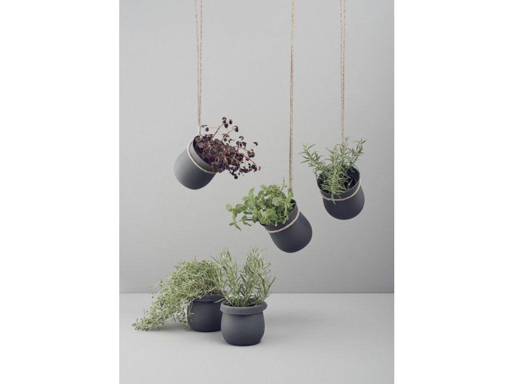 Samozavlažovací závěsný květináč STELTON RIG-TIG Grow-It. Samozavlažovací závěsný květináč na bylinky
