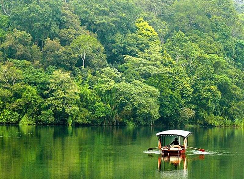 Top 17 Hot Tourist Destinations / Attractions in Kerala as
