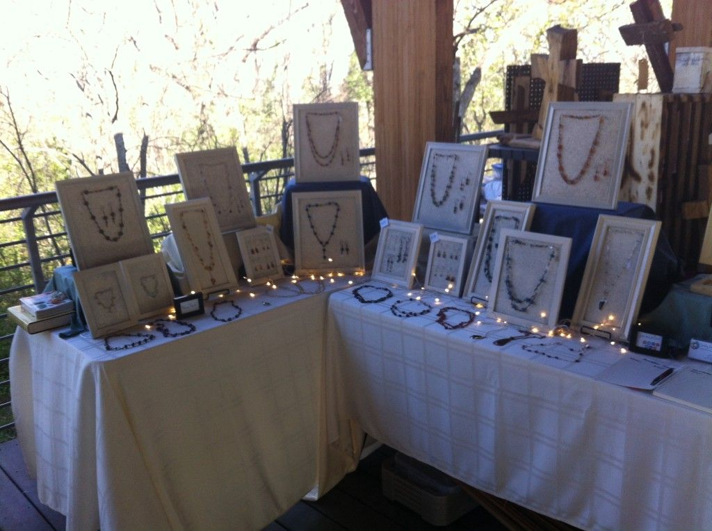 Art and craft show jewelry display lights jewelry for How to make a ring display for craft shows