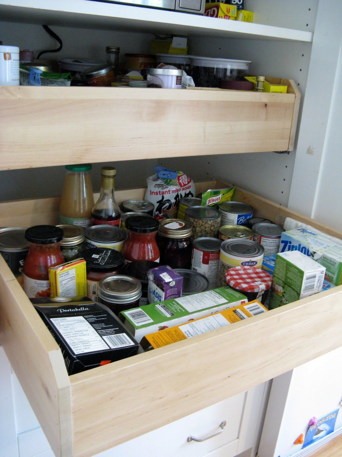 Customized kitchen pantry