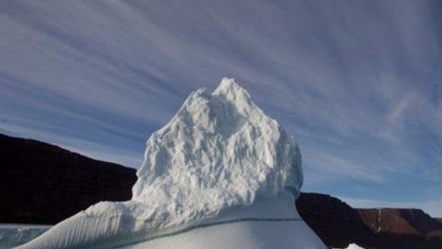 Le ciel trop bleu accélère la fonte des glaces
