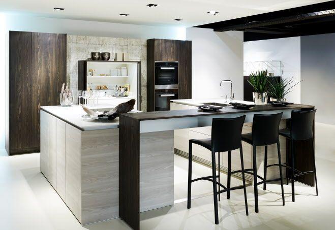 Nieuwe Design Keuken : Designkeuken met kookeiland bar en functionele themakast stage