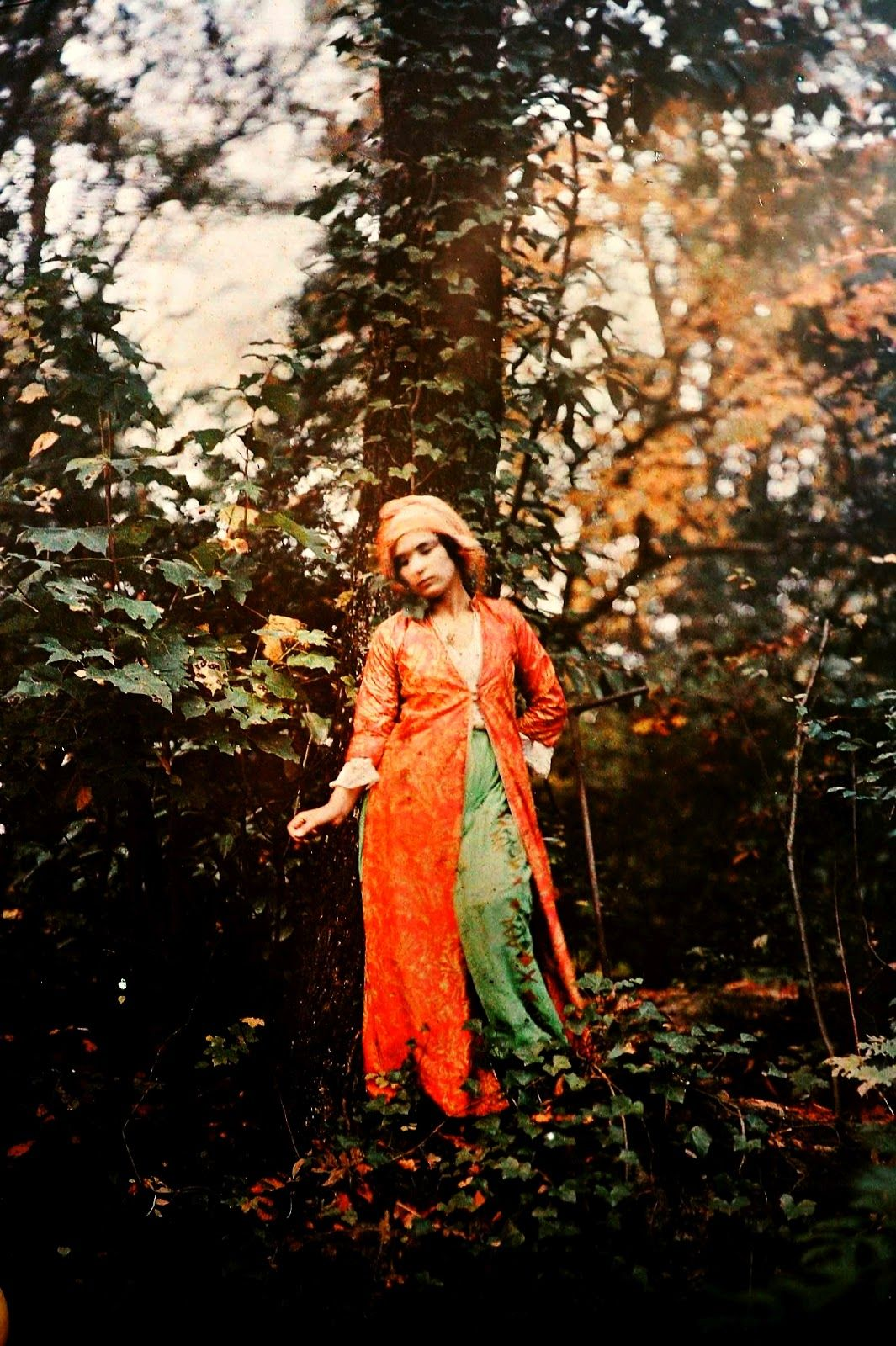 Women in Autochrome – Breathtaking Color Portrait Photos of Women in the Early 20th Century