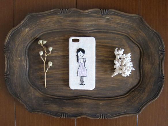 【20%OFF!!】うす紫のストライプの服を着た女の子の、iPhone5/5s用ケースです。ご注文の際に①配送方法(メール便または宅配便)②ラッピングの有無を...|ハンドメイド、手作り、手仕事品の通販・販売・購入ならCreema。