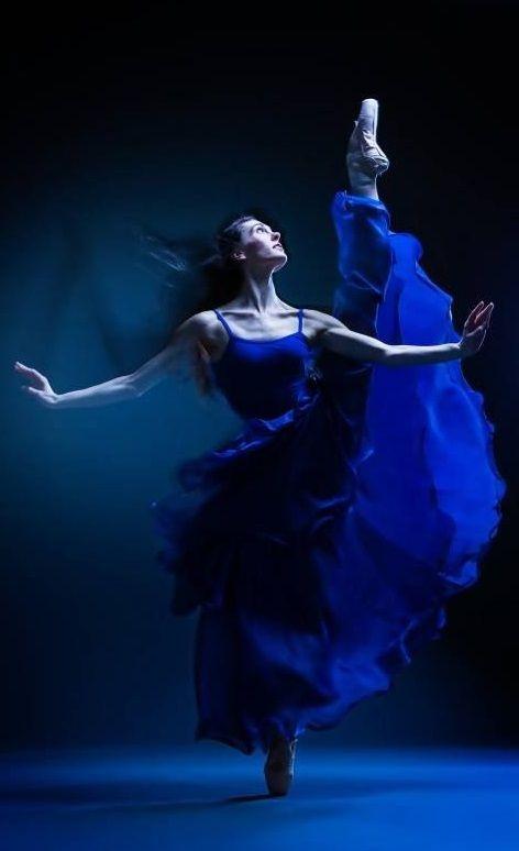 blue.quenalbertini: Blue dancer More