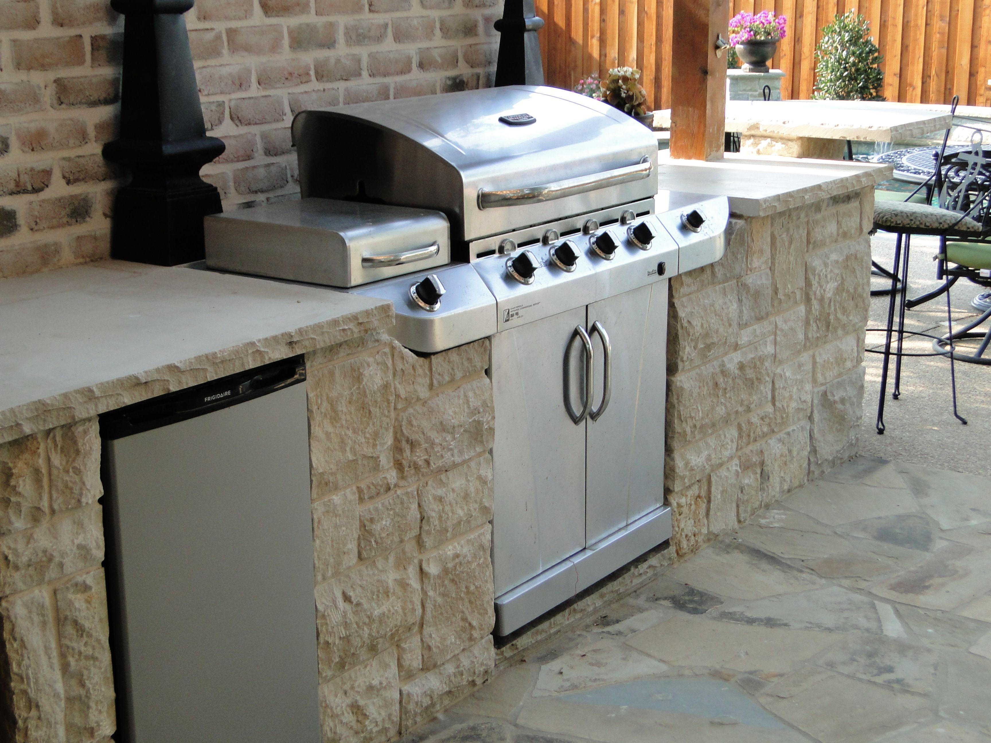 Diy Built In Grill Island Built In Grill Bridgeport Texas Flagstone Patio Jpg Outdoor Kitchen Countertops Outdoor Countertop