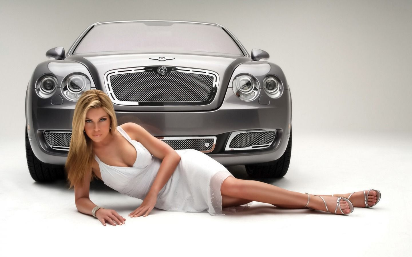 Girls With Cars Wallpapers