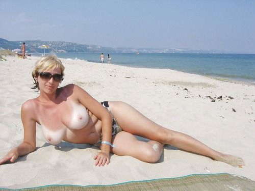 Naked beach chubby amateur — img 3