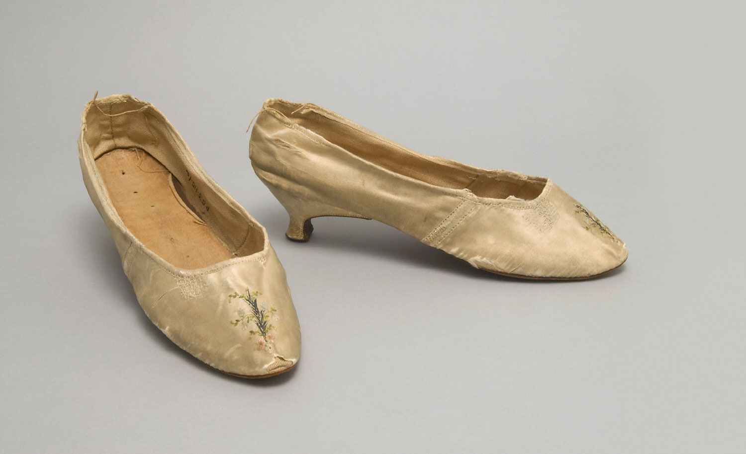 Philadelphia Museum of Art - Collections Object : Woman's Shoes