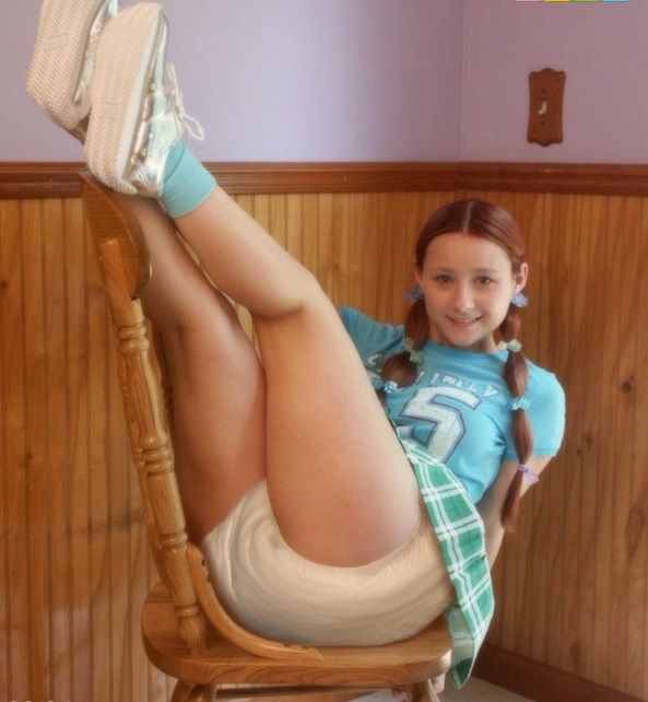 Sexy teen girls in diapers-7587