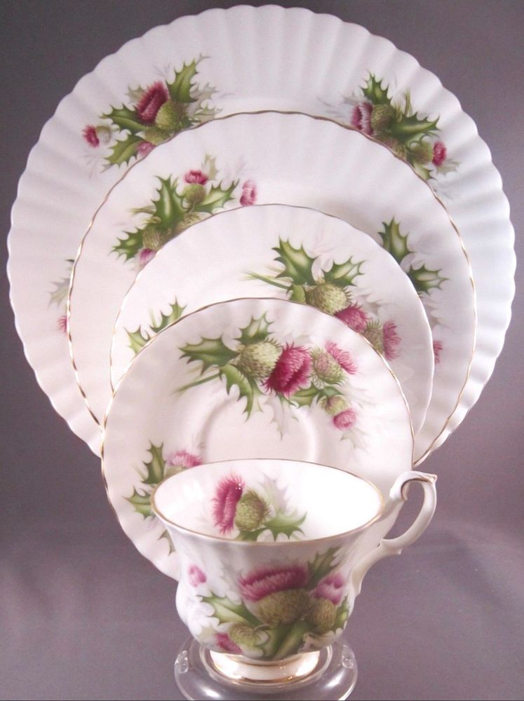Royal Albert England Lavender Rose Pattern Bone China 5 Piece Place Setting s