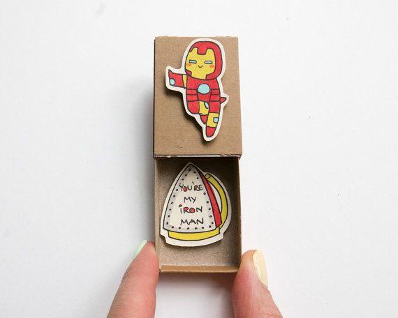 "Tarjeta de amor de hombre del hierro / novio divertido tarjeta / ""Usted es mi hombre del hierro"" Matchbox / LV032"