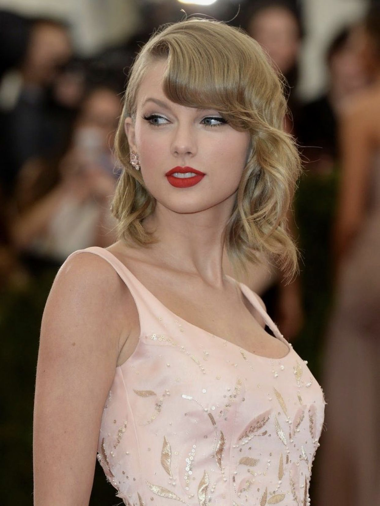 Angel Taylor swift 👼 | Taylor swift outfits, Taylor swift ...