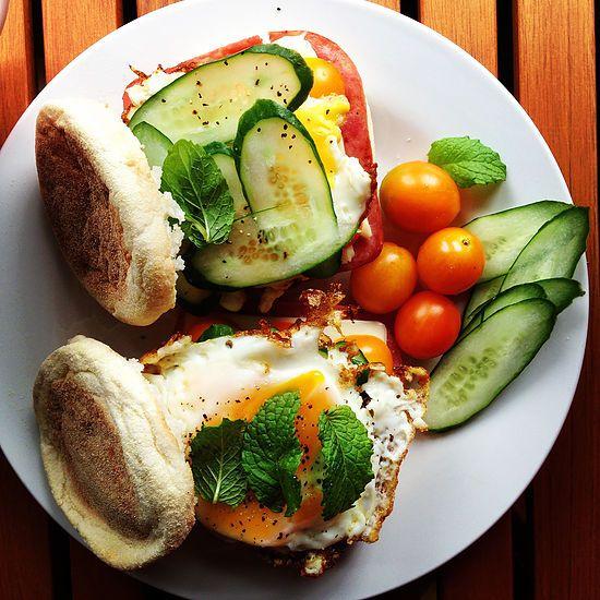 Ham/ Cheese/ Egg and Vege Muffins 火腿起司蔬菜滿福堡加蛋 | SweetDot 點點甜
