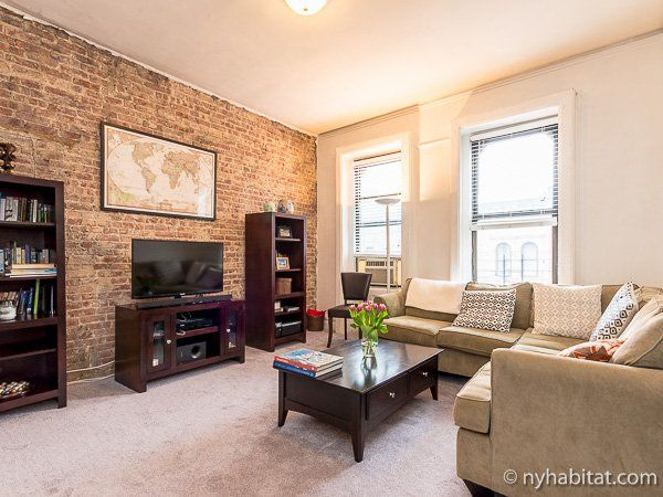 Three blocks west of this apartment is Riverside Park with its beautiful flower gardens and impressive view across the Hudson River. #NYC http://www.nyhabitat.com/new-york-apartment/roommate-share/11149