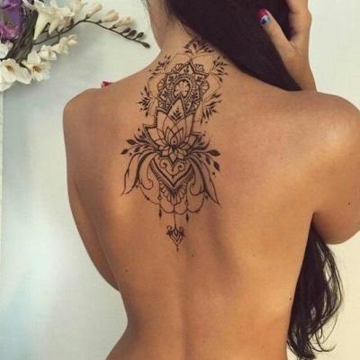 tattoo r cken frau baum ideen von tatoo pinterest tatoeage. Black Bedroom Furniture Sets. Home Design Ideas