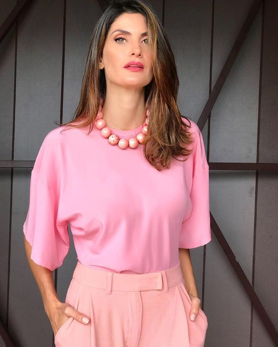 30305dbc20 como usar cor de rosa no look trabalho. 12 maneiras de usar cor de rosa