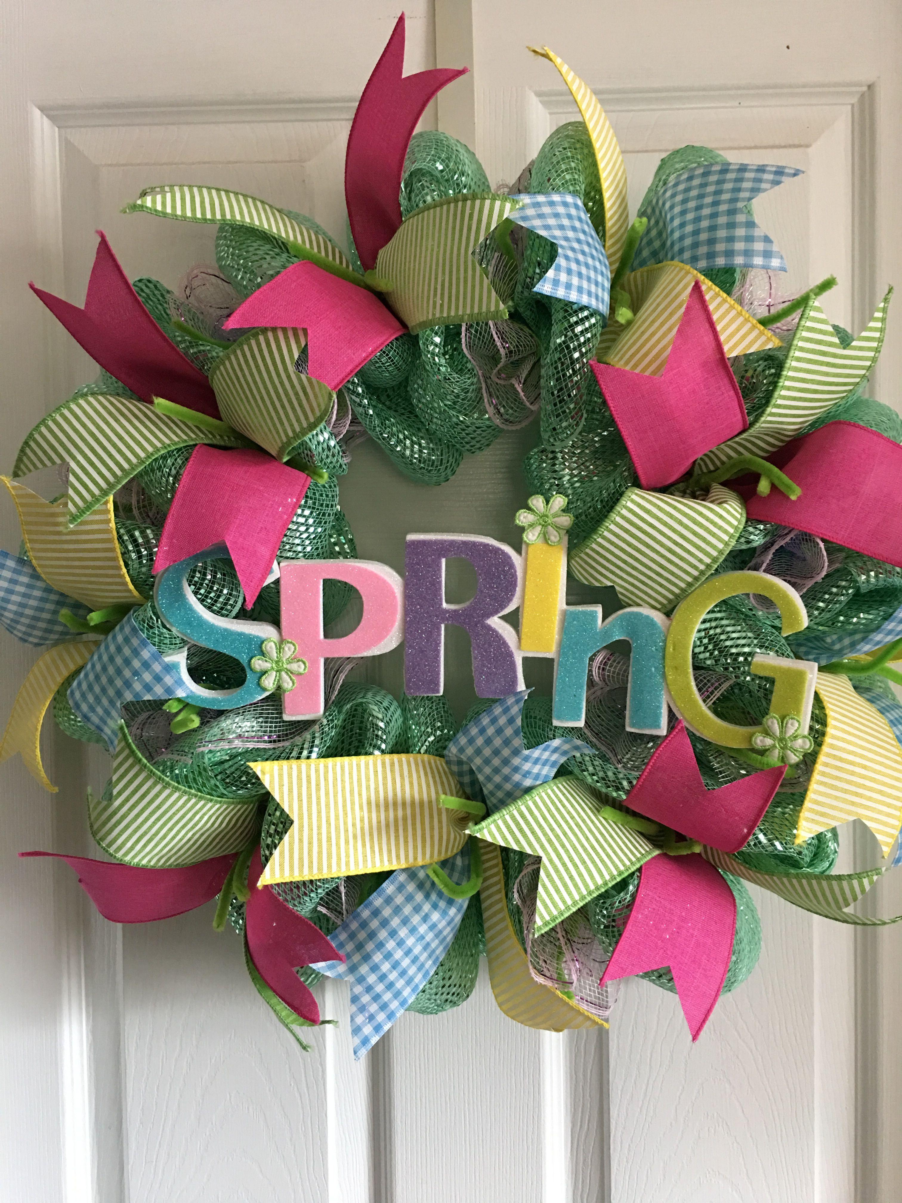Spring multicolored deco mesh and ribbon wreath Diy