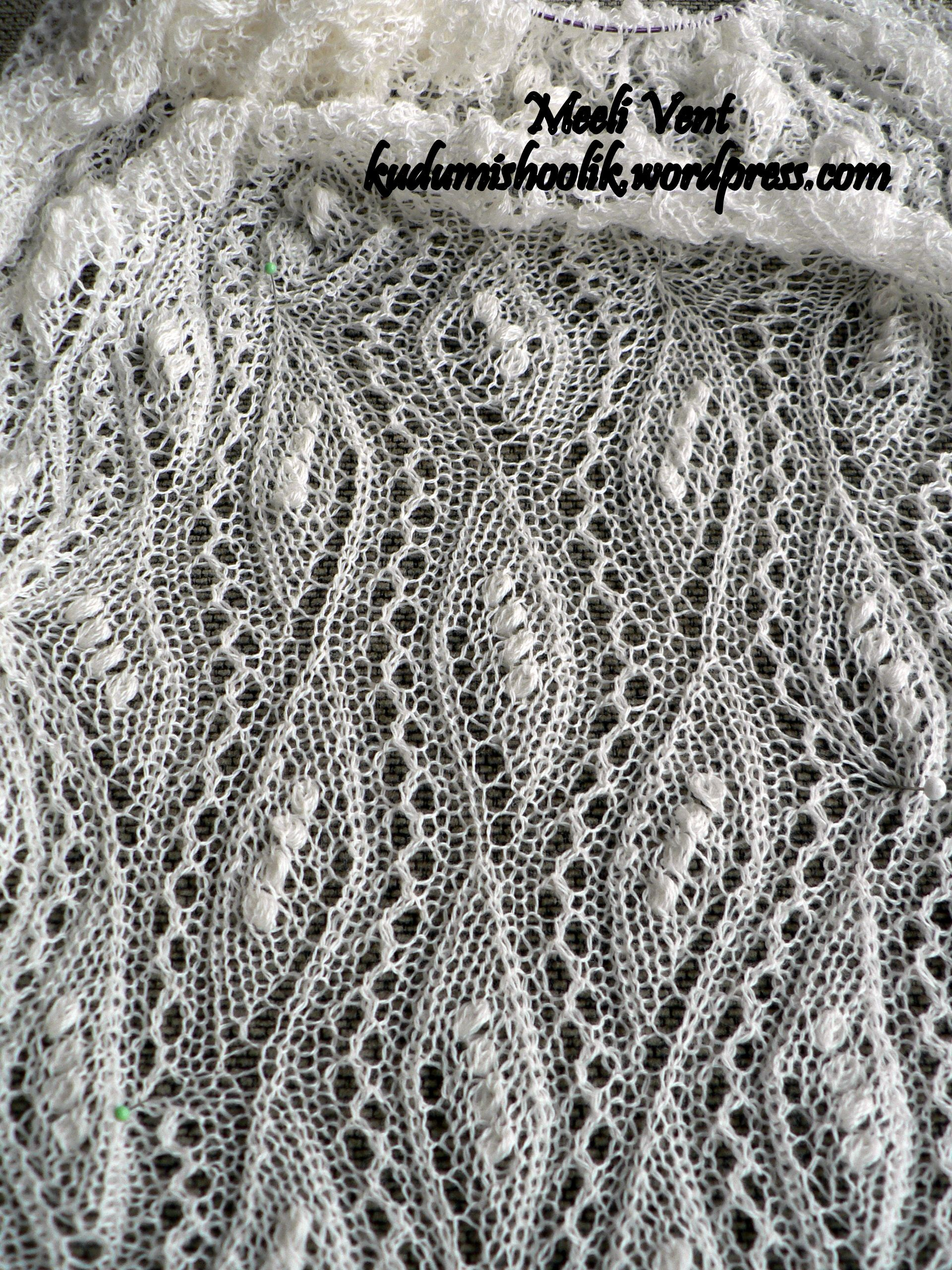 Haapsalu shawl with lace pattern \