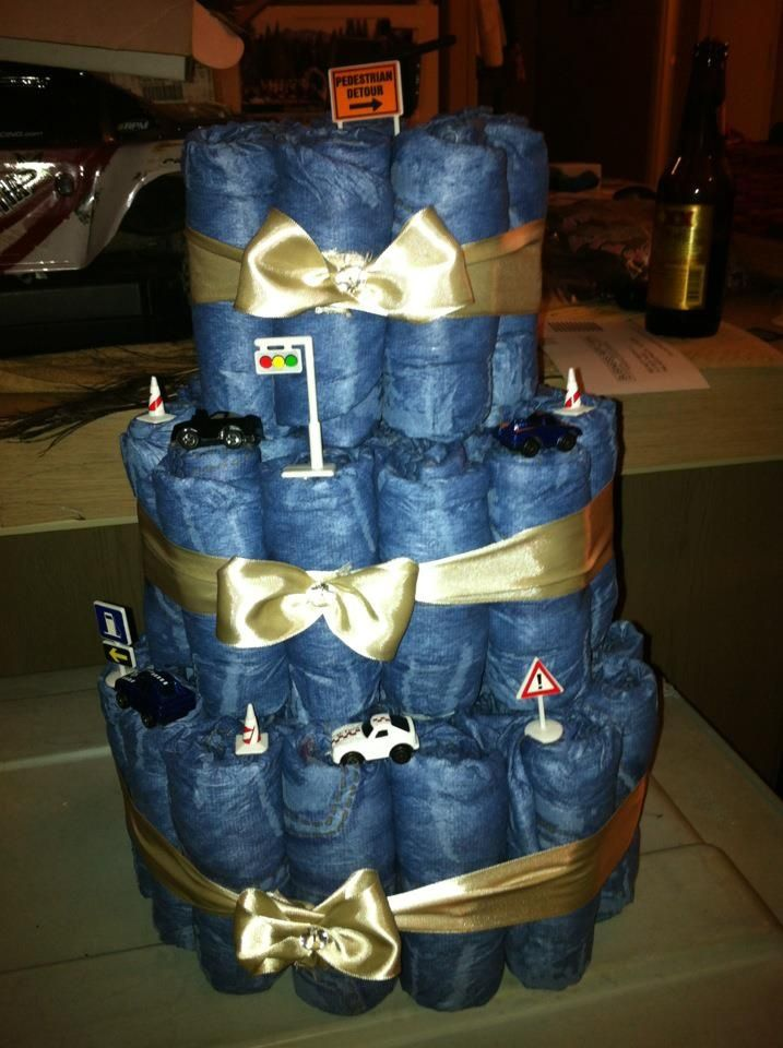 Blue jean baby shower cake via kathleen shannon ray for Denim centerpieces