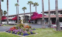 Comfort Inn Oxnard Close To The California Strawberry Festival And Channel Islands Harbor Oxnard Downtown Hotels Beach Resorts