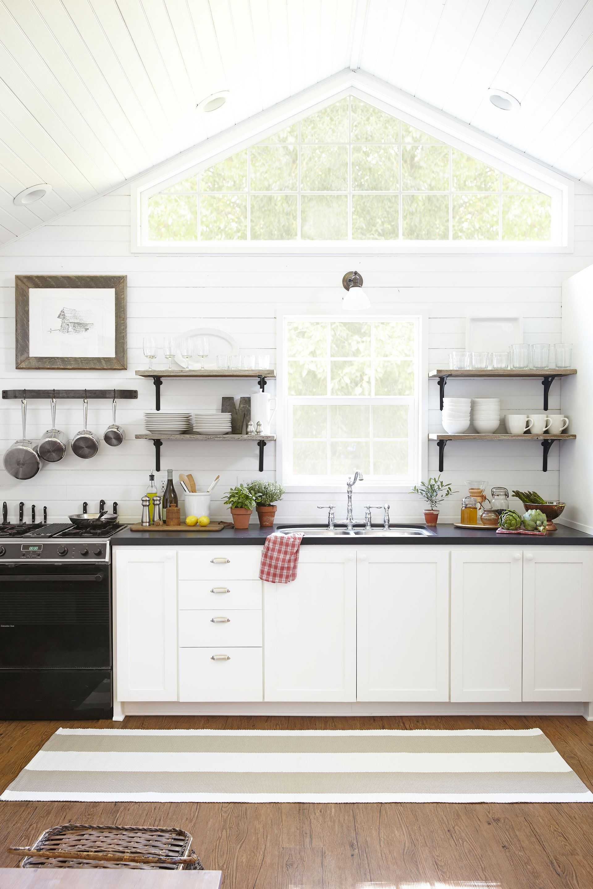 11 Vintage Appliances We Want in Our Kitchen | Soapstone counters ...