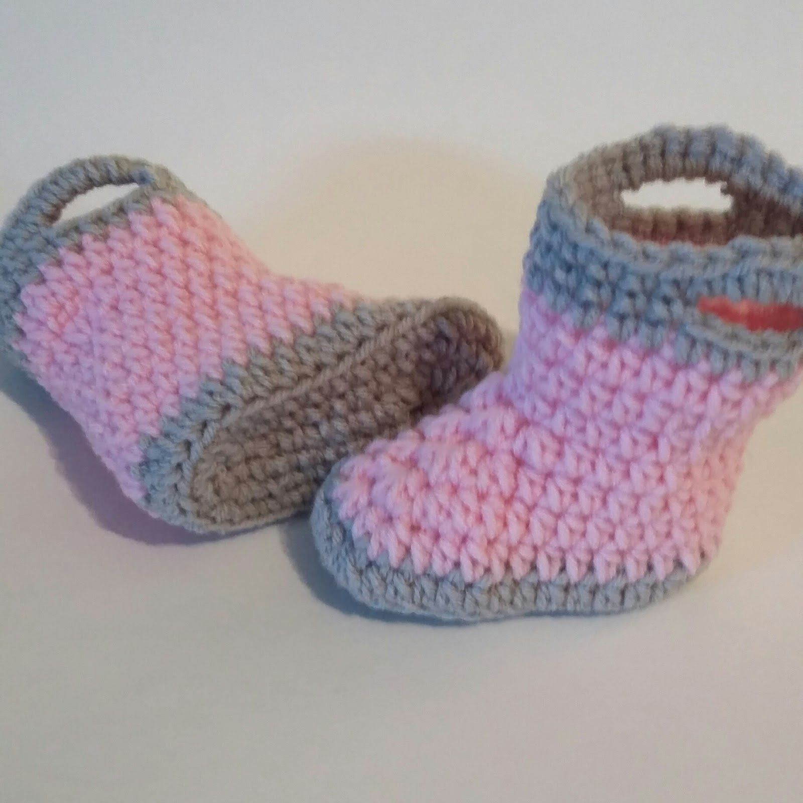 13467aa5251e FREE PATTERN for baby booties (Fireman boots or Wellingtons ...