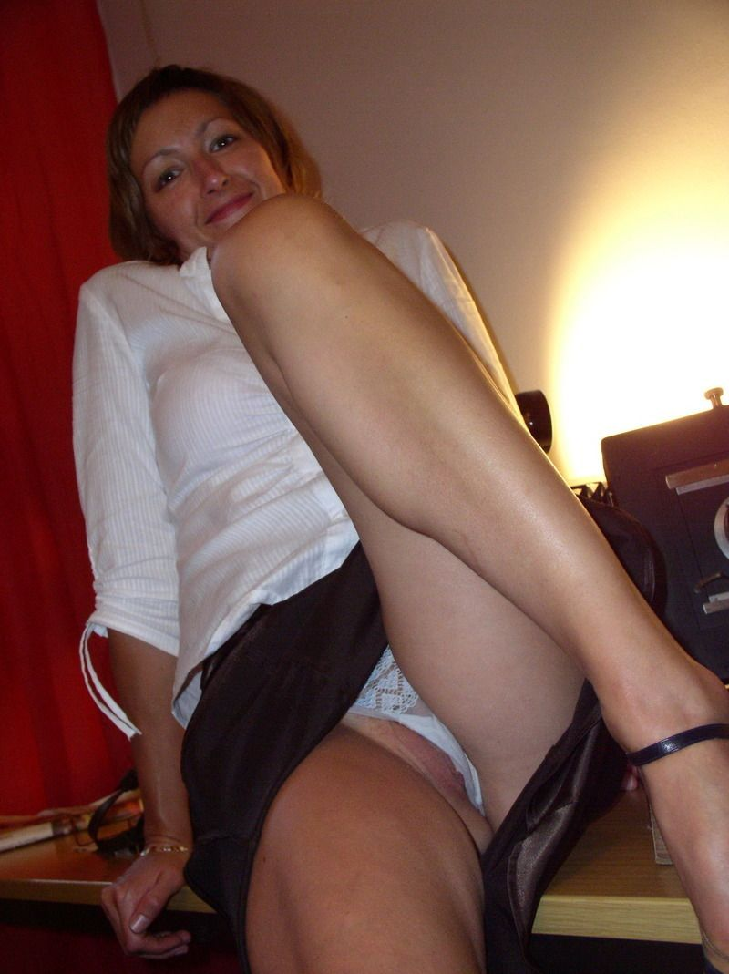 Amateur milf undressing