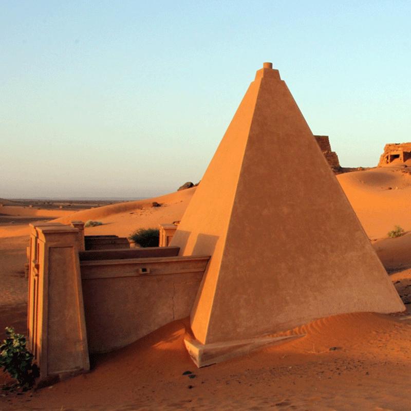 Pyramide De Meroe Soudan Pyramide Site Archeologique Pharaon