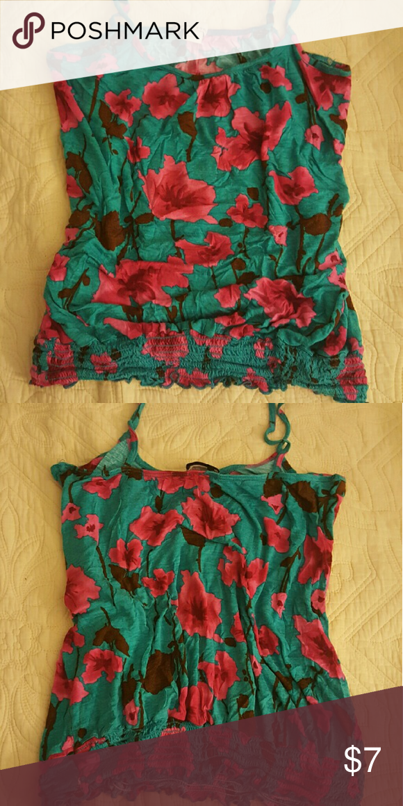 Twenty One floral tank top It's super comfortable and kinda cropped. Tops Tank Tops