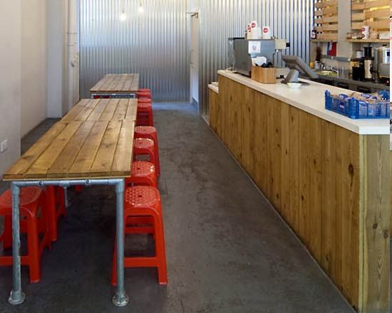 Minimalist Small Restaurant Design Ideas With Rustic Lighting