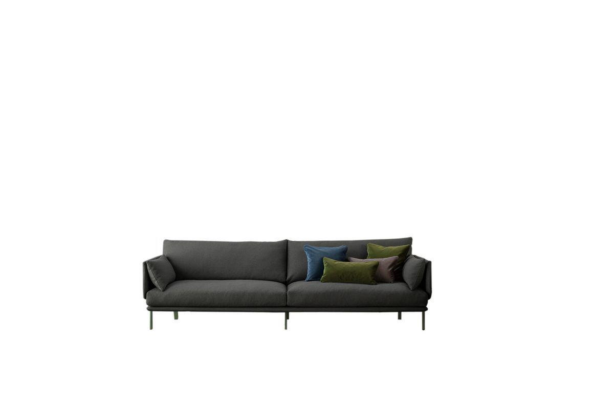 Mørk grå sofa. Gjennom farger gir designer Alain Gilles hovedrollen til sofabena i serien Structure for Bonaldo. Helt på sin plass, det er jo dem som holder oss oppe! 39 900 kr, Ølen Møbel.