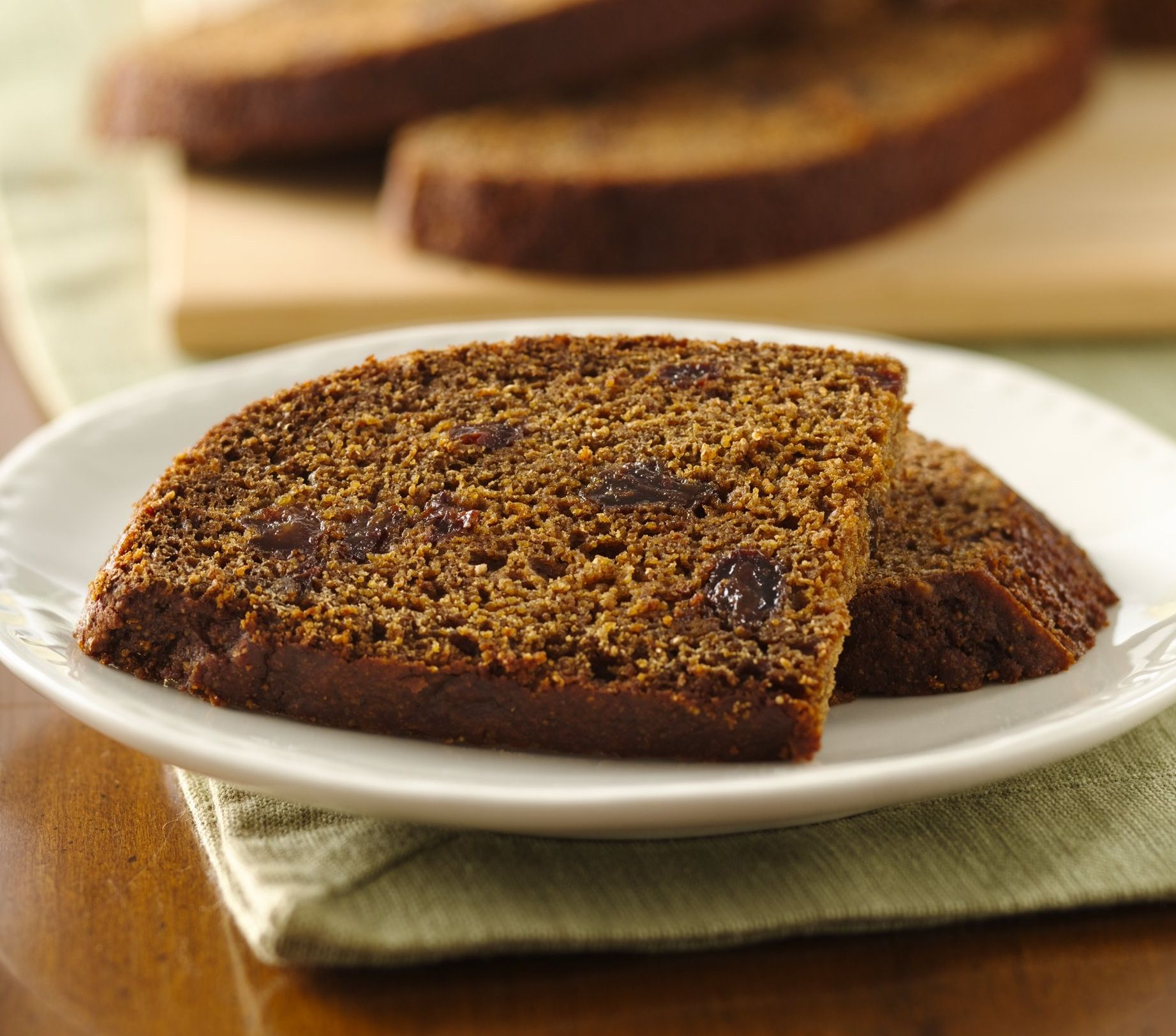 Created In Colonial Times And Also Called Boston Brown Bread This Flavorful Quick Is Made With Cornmeal Moles Flecked Raisins