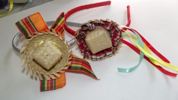 Veja como fazer uma tiara com chapéu de palha pra sua festa junina! 08a11db5e86
