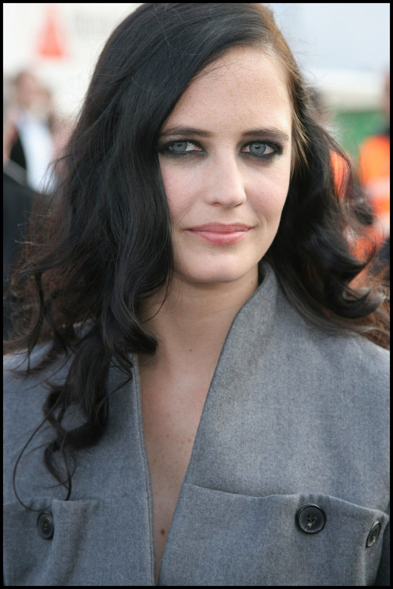 French Born International Film And Television Actress Eva Green Evagreen French Brunette Robfriendly