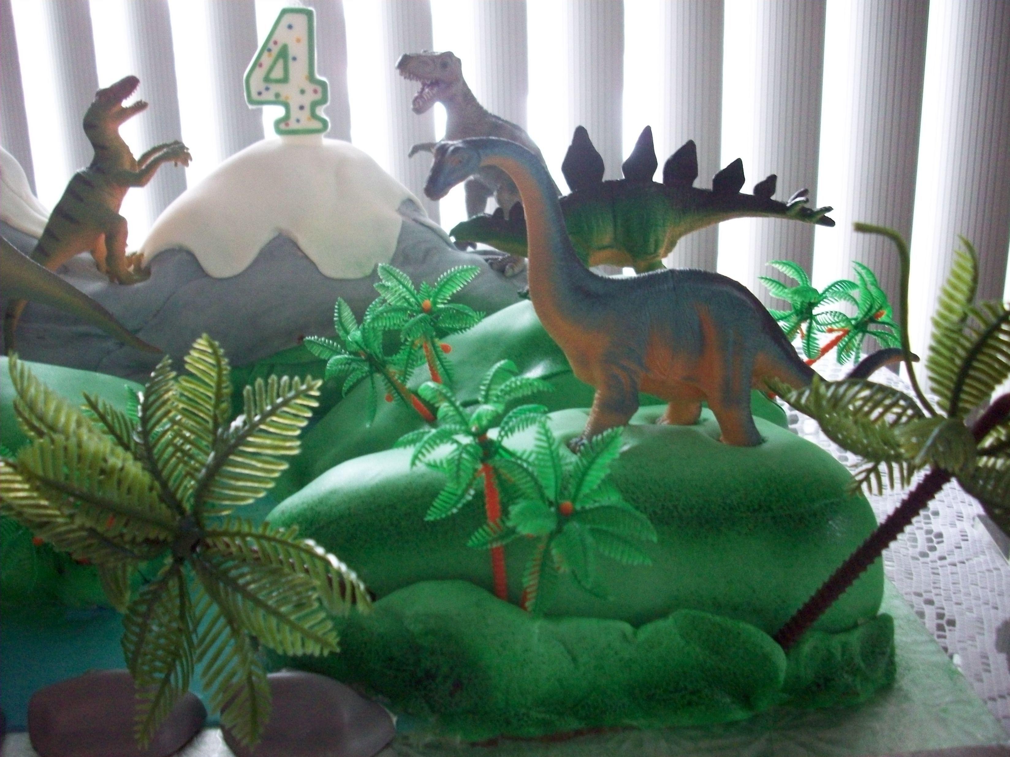 2013 Dinosaures pour les 4 ans de mon petit-fils Alexandre