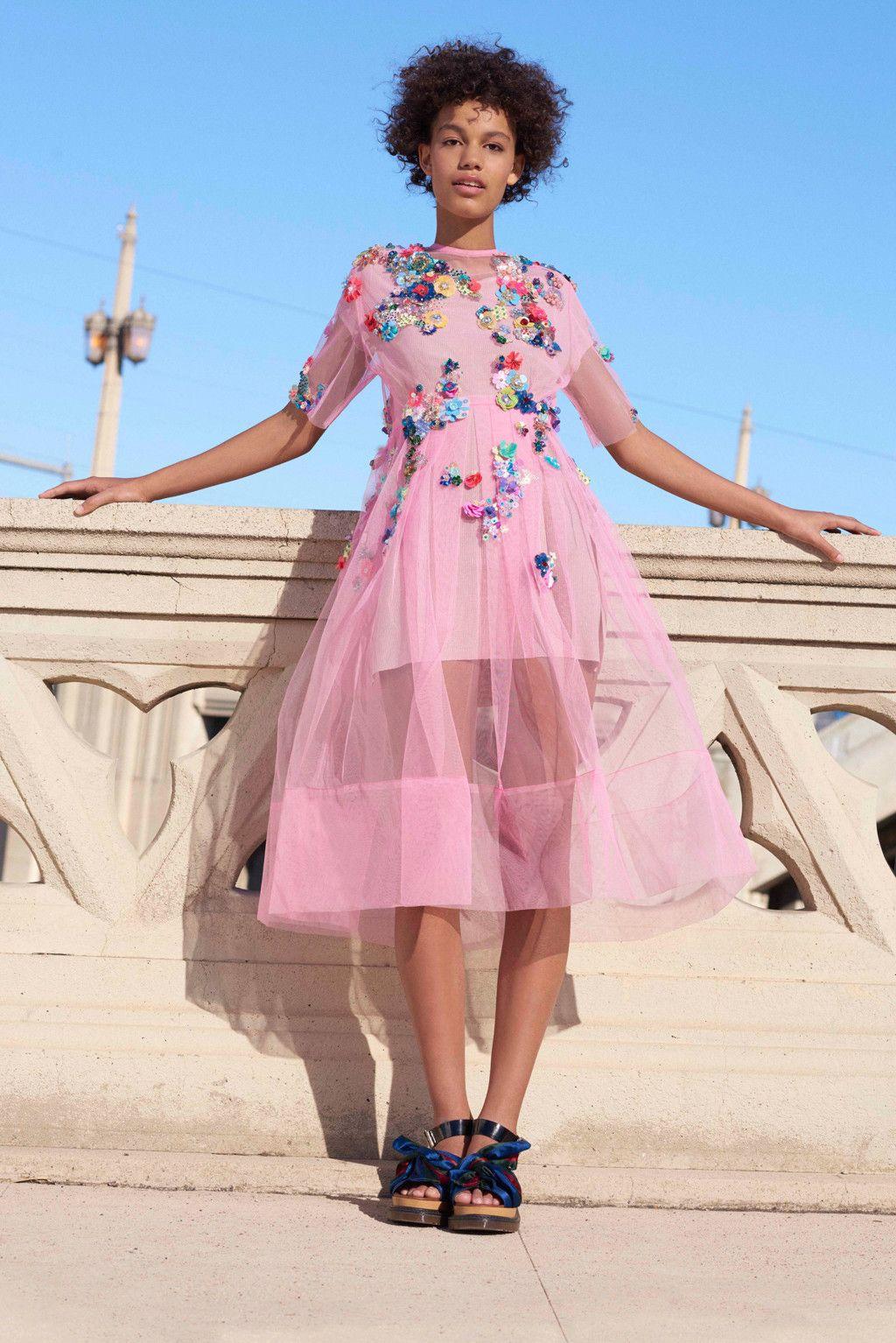 Este vestido de Asos nos encanta para esta primavera-verano 2016... PINK!  #vestido #rosa #pink #Asos #vuelo #flores