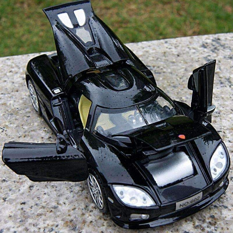 Koenigsegg Race Car: Electronic Pull Back Koenigsegg Car Model