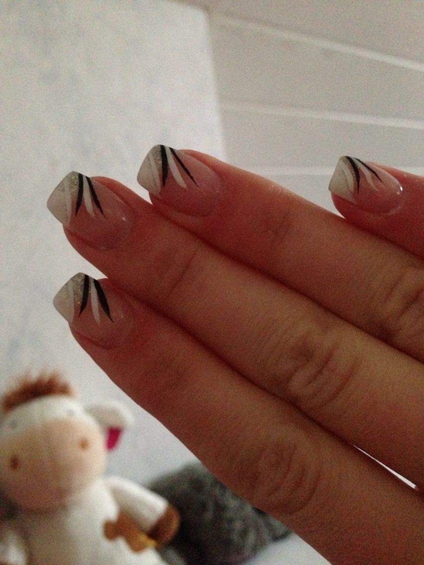 Nägel#nails#french#schwarz#weiß#kurz#eckig#Glitzer | Nägel ...