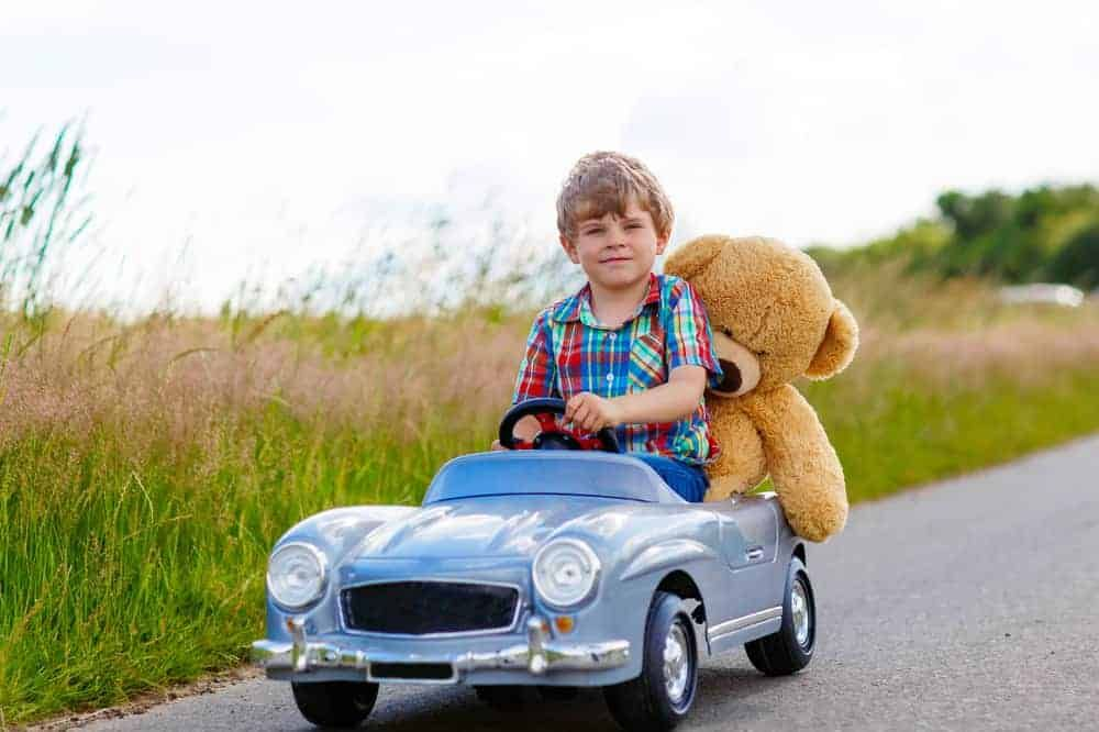 Speelgoed Voor In De Auto En Vakantie Cadeautjes Voor Onderweg Op De Achterbank Of In Het Vliegtuig Mamaliefde Nl Auto Speelgoed Kinderen