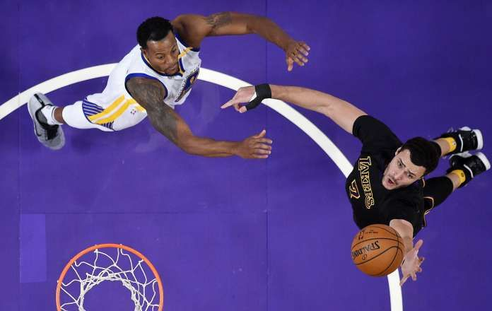 Durant leads Warriors' 2nd straight win over Lakers, 109-85 - LOS ANGELES -- Kevin Durant had 29 points, 9 and 6 rebounds, as Golden State beat Los Angeles for the second time in three days, 109-85 on Friday night.Stephen Curry scored 24 points and Klay Thompson had 18 in the Warriors' 10th consecutive victory. Golden State followed up its 43-point win in Oakland on Wednesday with another comfortable victory, although Kerr and Walton didn't see much to like about a sloppy post-holiday…