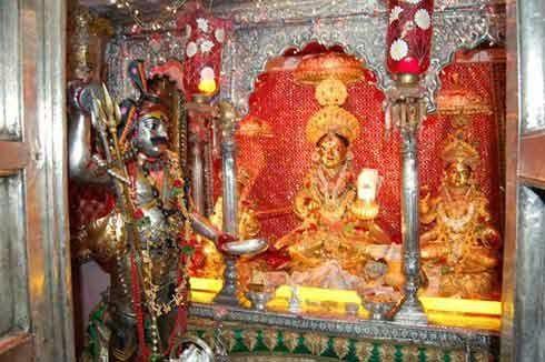 Annapurna Temple at Varanasi - Goddess Annapurna Devi Temple in Varanasi ~  Hindu Blog | Devi, Varanasi, Annapurna