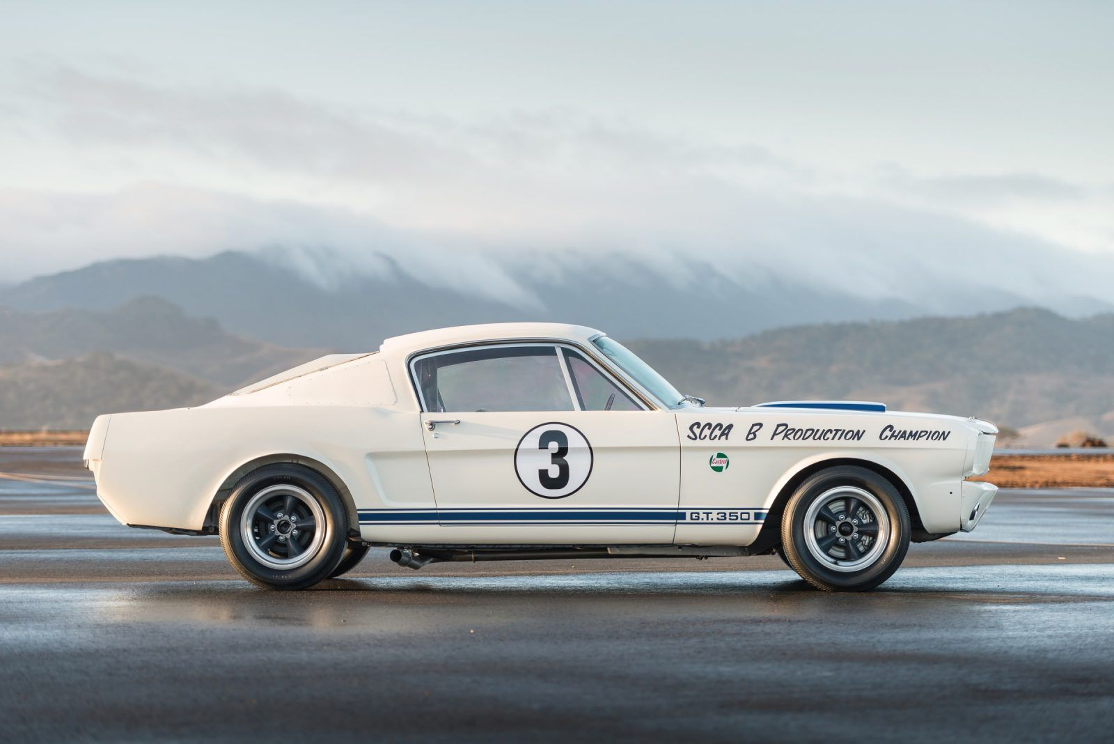 Cobra caravan survivor 1965 shelby gt350 r