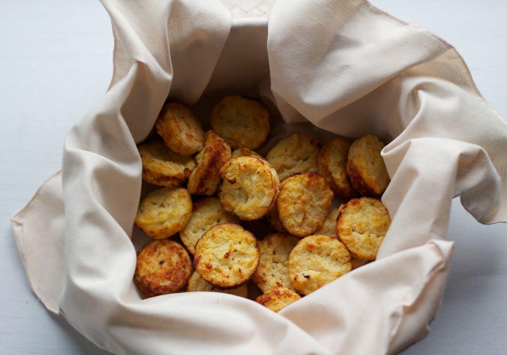 Cheesy Cauliflower Biscuits Food Recipes Cheesy Cauliflower